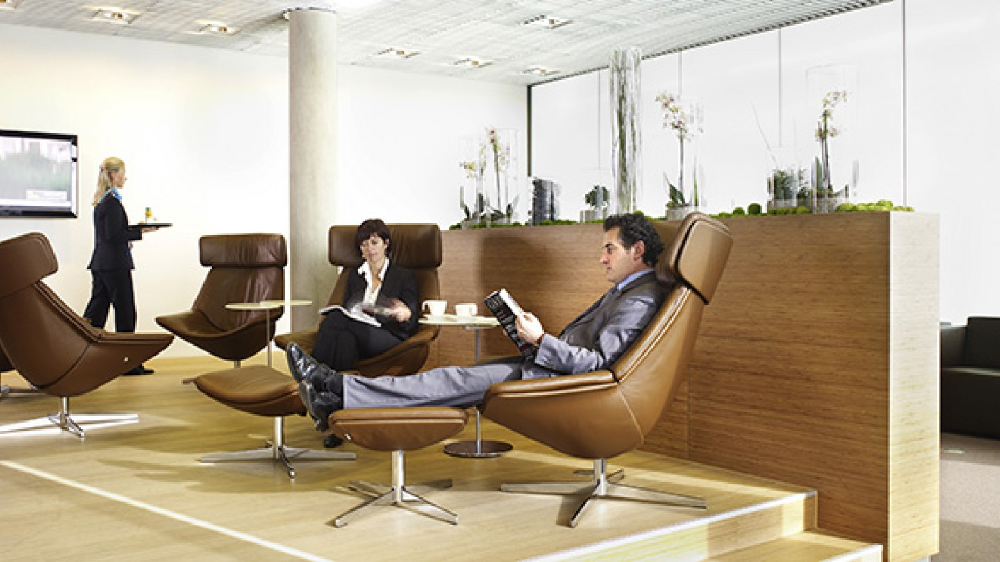 Luxair business lounge