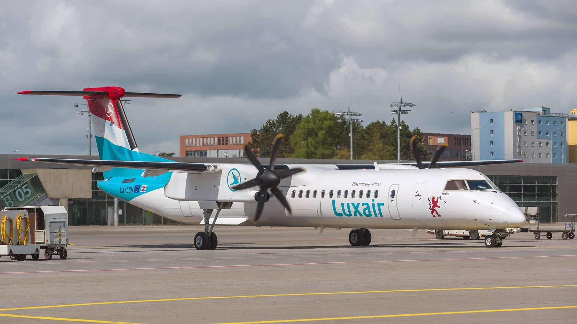 Bombardier Q400 | Luxair